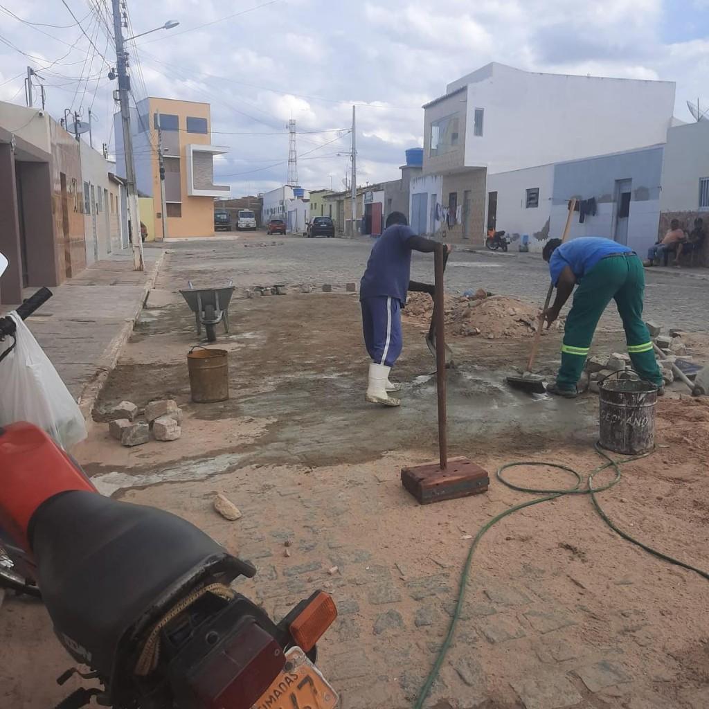 Equipe de Infraestrutura avança na recuperação de ruas do município