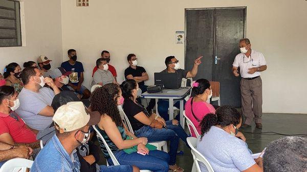 Palestra informativa sobre o Programa de Crédito Fundiário Terra Brasil.