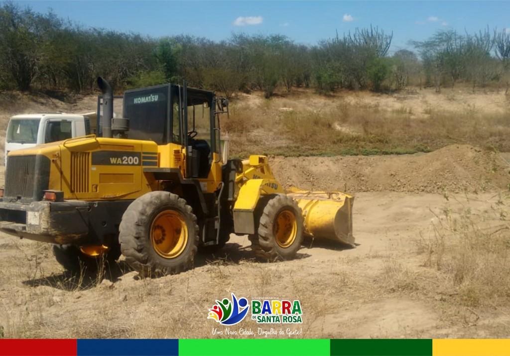 Foi iniciada a limpeza da barragem comunitária do Distrito Telha