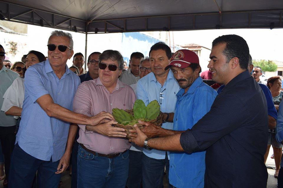 Governador da Paraíba esteve presente no município para entrega de novas conquistas