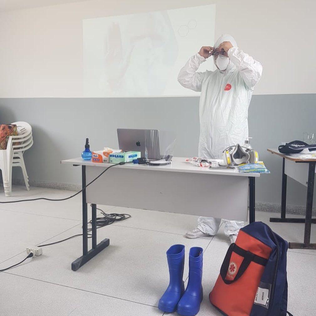 Secretaria de Saúde prepara os profissionais para atendimento e transportes de casos suspeitos de COVID-1