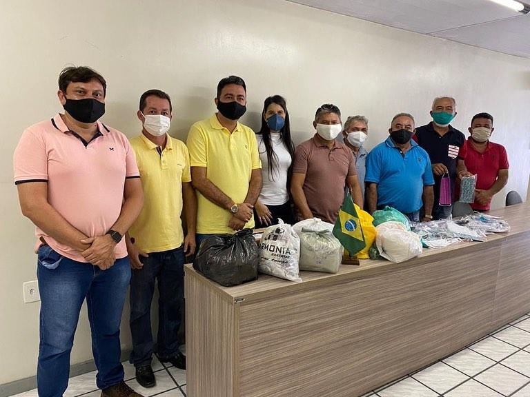 Vereadores do nosso município realizaram doações de máscaras para a Secretaria de Saúde
